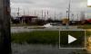 Из-за разлива воды на Ленинском проспекте Петербурга образовалась огромная пробка