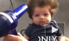 Видео: у ребенка, которому от роду неделя, растет грива как у льва