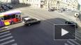 Разбитые автомобили перегородили трамвайные пути на Сред...