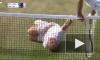 Забавное видео: Ветеран Уимблдона спародировал на корте Неймара, получив мячом по затылку
