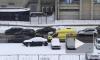 Видео: в Петербурге столкнулись три авто, водителя увезли на носилках