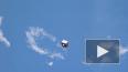 Космонавт с МКС снял на видео пролетающий мимо спутник, ...