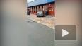 Девушка на BMW пробила окно в супермаркете на площади ...