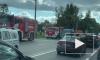 На пересечении Таллинского и Аннинского шоссе КамАЗ смял легковушку