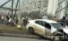 Ужасающее видео из Москвы: после ДТП одна легковушка рухнула в пруд