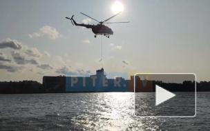 Видео: пожар в здании на Складской улице прилетел тушить Ми-8 с воздуха
