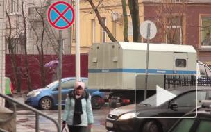 Коротышка обокрал приезжую на 160 тысяч в Петербурге