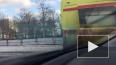 Очевидцы: на Пулковском шоссе автомобиль снёс ограждение, ...