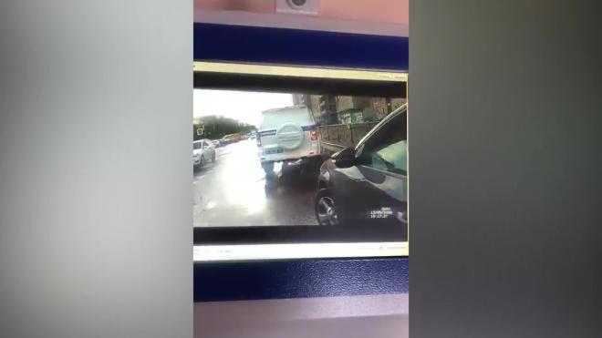 На маляра из Петербурга, сбившего на авто полицейского, возбудили два уголовных дела