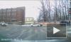 """Видео: на Среднем проспекте в """"зад"""" такси врезалось другое такси"""