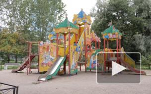 Жители улицы Костюшко жалуются на плачевное состояние детского городка