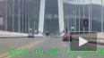 Появилось видео падения автобуса с моста в Китае