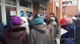 Видео: на Ударников у почты собралась очередь из пенсион...