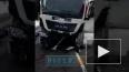 Видео: в Ленобласти три человека погибли в ДТП с грузови...