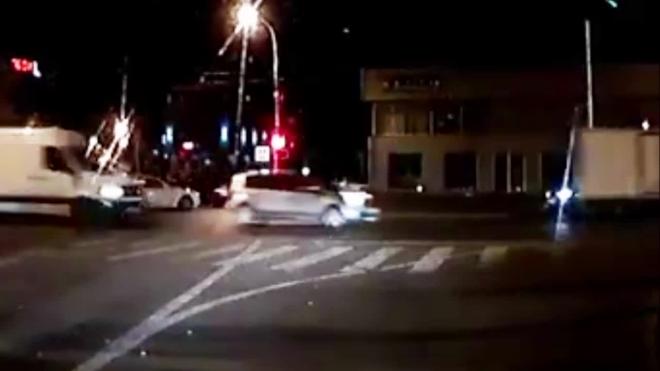 Жуткое видео из Краснодара: байкер протаранил авто