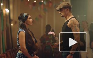 Юрий Музыченко показал любовь своих бабушки и дедушки в новом клипе The Hatters
