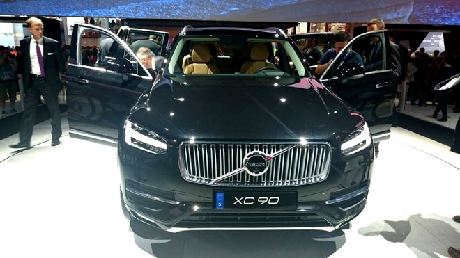 """""""Парижский автосалон"""": известны первые впечатления очевидцев от Volvo XC90"""