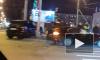 Два автомобиля столкнулись на пересечении Оптиков и Планерной