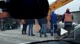 Видео из Бийска: Экскаватор провалился сквозь землю