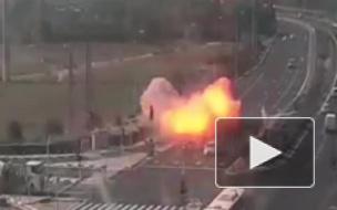 Опубликовано видео взрыва ракеты на шоссе в Израиле, выпущенной из сектора Газа