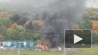 На Петергофском шоссе горит автостоянка: взорвалась фура