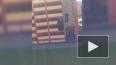 Видео: машина вылетела с верхнего этажа паркинга на Бада...