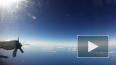 Появилось видео, как самолет пролетел сквозь ураган ...