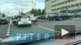 Видео: на улице Седова столкнулись автомобили You ...