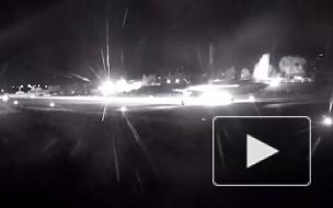 Посадку на базе Хмеймим уходящего от обстрела лайнера попала на видео