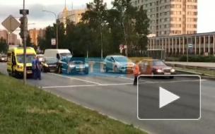 Видео: На Московском шоссе столкнулись три автомобиля