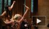 Активистки Femen проводили папу римского акцией в соборе Парижской Богоматери