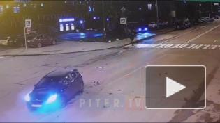 """Водитель """"Бентли"""" не дал повернуть иномарке на Вязовой улице"""