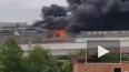 Пожар на Кировском заводе тушат вертолет МЧС: видео
