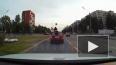 Петербурженка прокатилась на крыше автомобиля в байдарке: ...