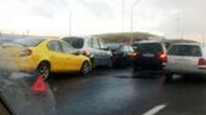 Авария на КАД: при столкновении 10 машин пострадали люди