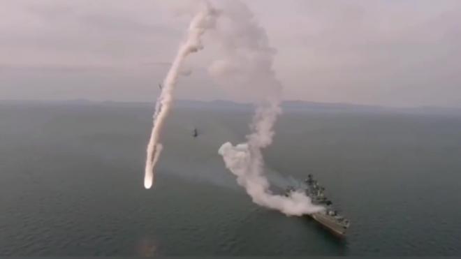 """Неудачный запуск ракеты """"Калибр"""" с российского корабля попал на видео"""