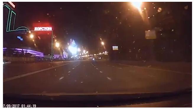 Появилось видео смертельного ДТП с мотоциклистом, лишившимся лица