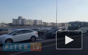 Вечерний Петербург сковали пробки из-за ПМЭФ