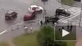 На видео попало ДТП с перевертышем на перекрёстке ...