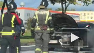 ВКрасносельском районе автомобиль загорелся после столкновения с иномаркой