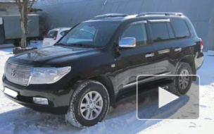 У хоккеиста СКА угнали джип стоимостью 3 миллиона рублей
