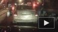 Видео жесткой драки на светофоре: водитель грузовика ...