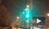 Сумасшедший светофор вводит в заблуждение пешеходов в Воронеже