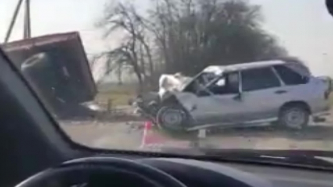 Смертельная авария на Кубани: трактор протаранил машину с полицейскими