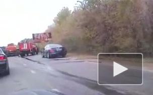 В Саратове бензовоз врезался в школьный автобус: два ребенка погибли, 14 пострадали