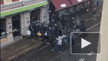 Фанаты из Швеции устроили массовую драку