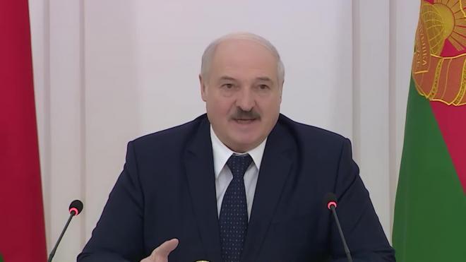 Лукашенко поручил местным властям трудоустроить безработных