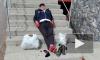 В Омске набирает популярность видео, на котором модный бомж нежится в лучах солнца