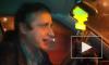 Таксист-затейник, гоняющий по Петербургу, играя на гитаре, стал героем Youtube