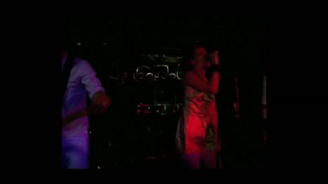 Сексапильный анархизм. Группа «Барто» выступила в клубе «Грибоедов»